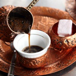 Coffee Mania, Un café avec les Turcs
