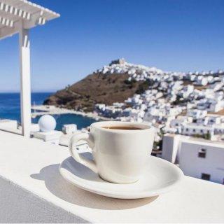 Coffee Mania, Un café avec les Grecs